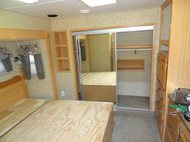 USED 2005 Crossroads CROSS TERRAIN 38 - Jack's Campers
