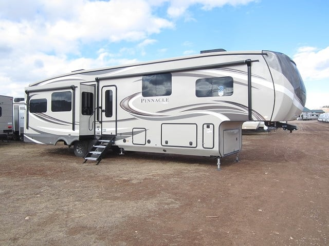 NEW 2018 JAYCO PINNACLE 37RLWS - Jack's Campers
