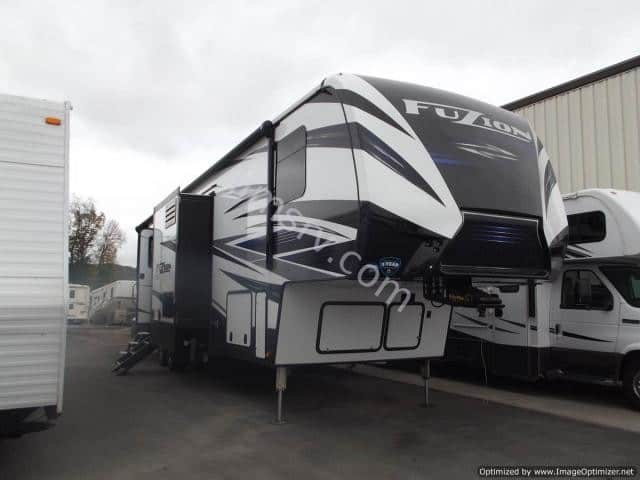 NEW 2018 Keystone FUZION 384