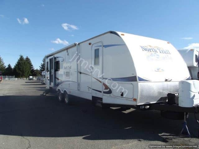 USED 2011 HEARTLAND NORTH TRAIL 31 RLSS