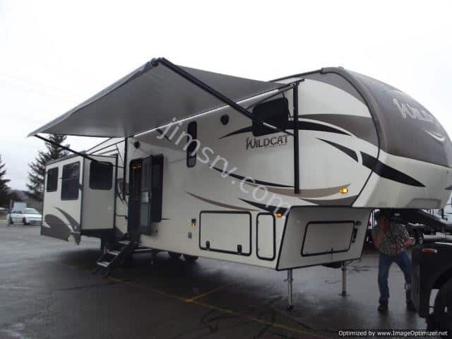 NEW 2018 Forest River WILDCAT 383MB