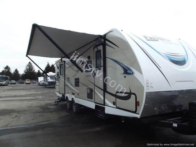 NEW 2018 Forest River COACHMEN FREEDOM EXPRESS 287BHDS