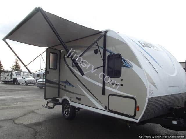 NEW 2018 Forest River COACHMEN FREEDOM EXPRESS 19RKS