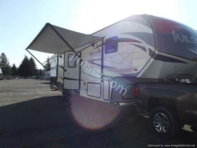 NEW 2018 Forest River WILDCAT 28BH