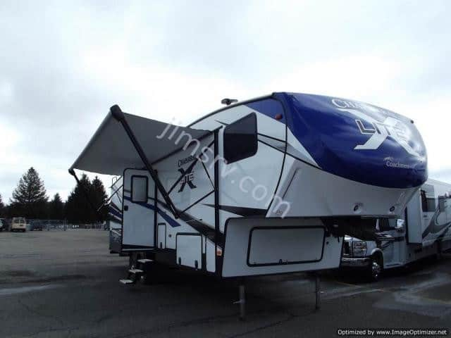 NEW 2018 Forest River COACHMEN CHAPARRAL 295X