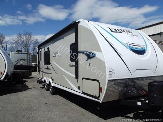 NEW 2019 Forest River COACHMEN FREEDOM EXPRESS 246RKS