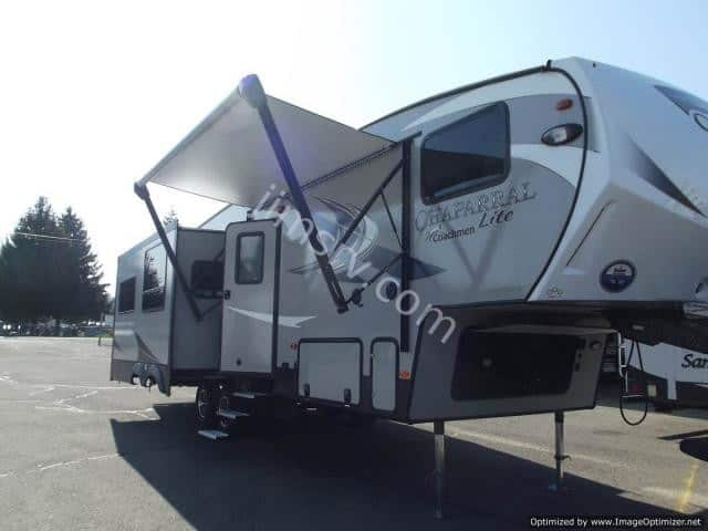 NEW 2019 Forest River CHAPARRAL 30RLS