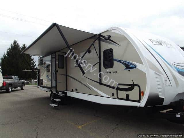 NEW 2019 Forest River COACHMEN FREEDOM EXPRESS 320BHDS