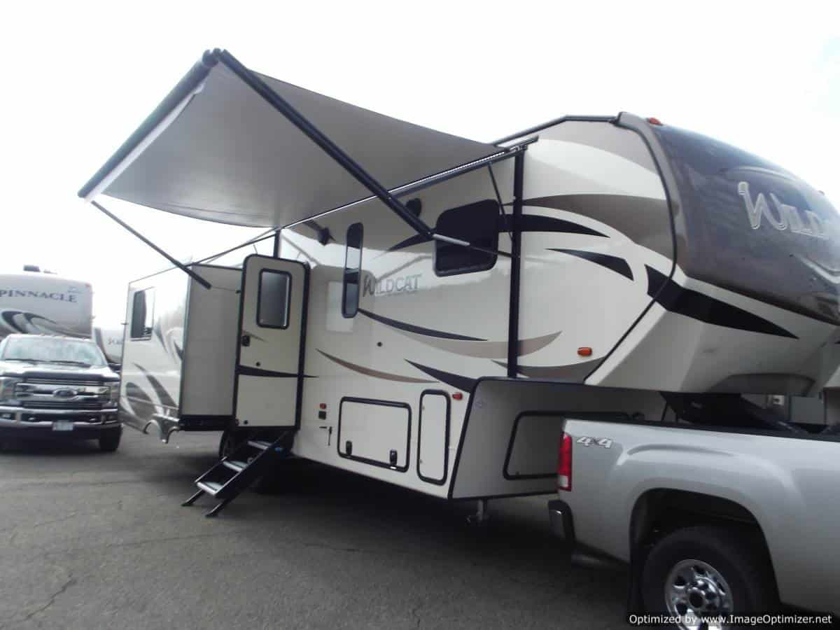NEW 2019 FOREST RIVER WILDCAT 28SGX