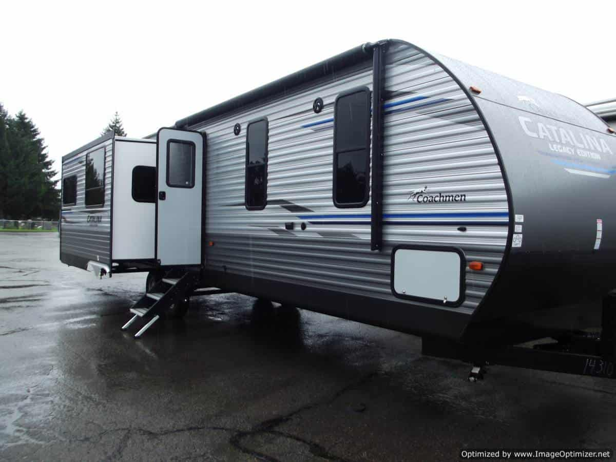NEW 2019 FOREST RIVER COACHMEN CATALINA 333RETS