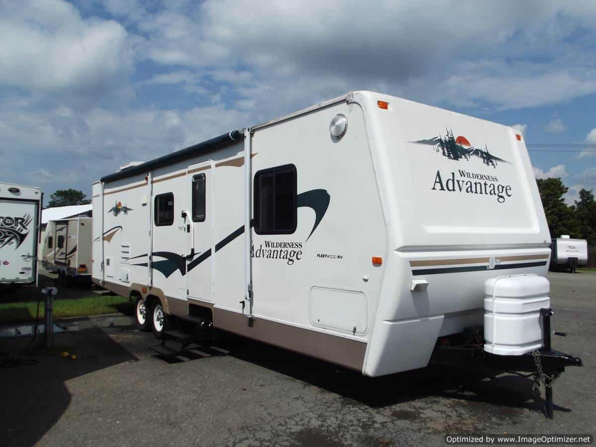 USED 2004 Fleetwood Wilderness Advantage 300FQS