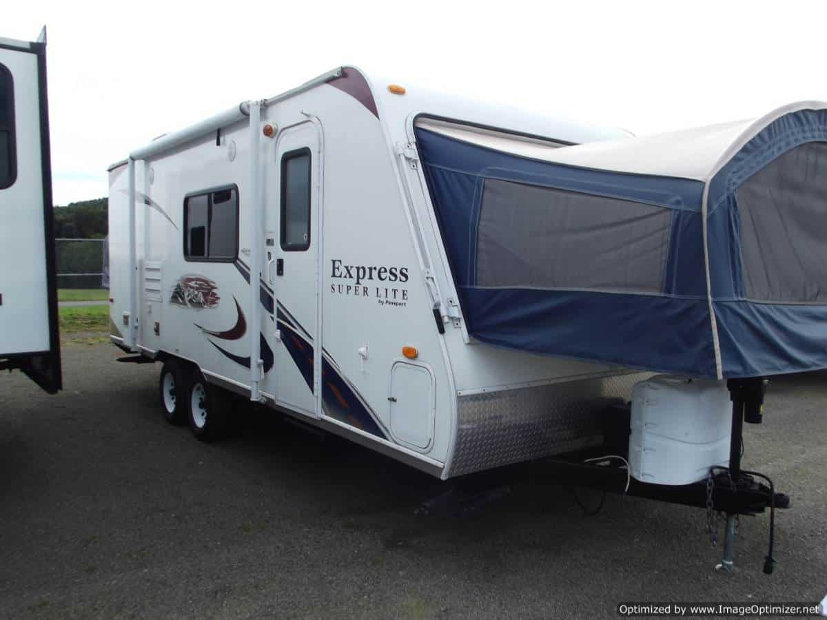 USED 2011 KEYSTONE PASSPORT ULTRA LITE EXP235