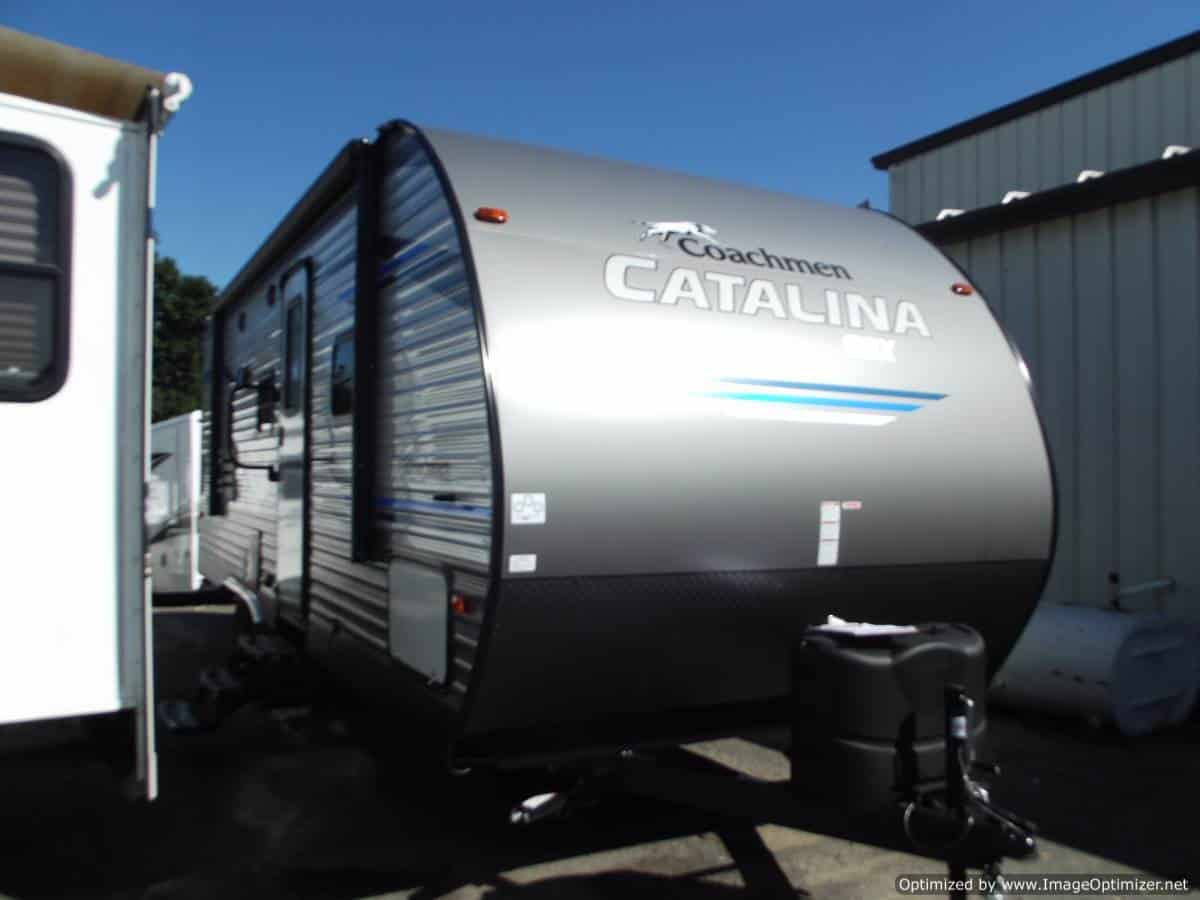 NEW 2019 FOREST RIVER COACHMEN CATALINA 221TBS