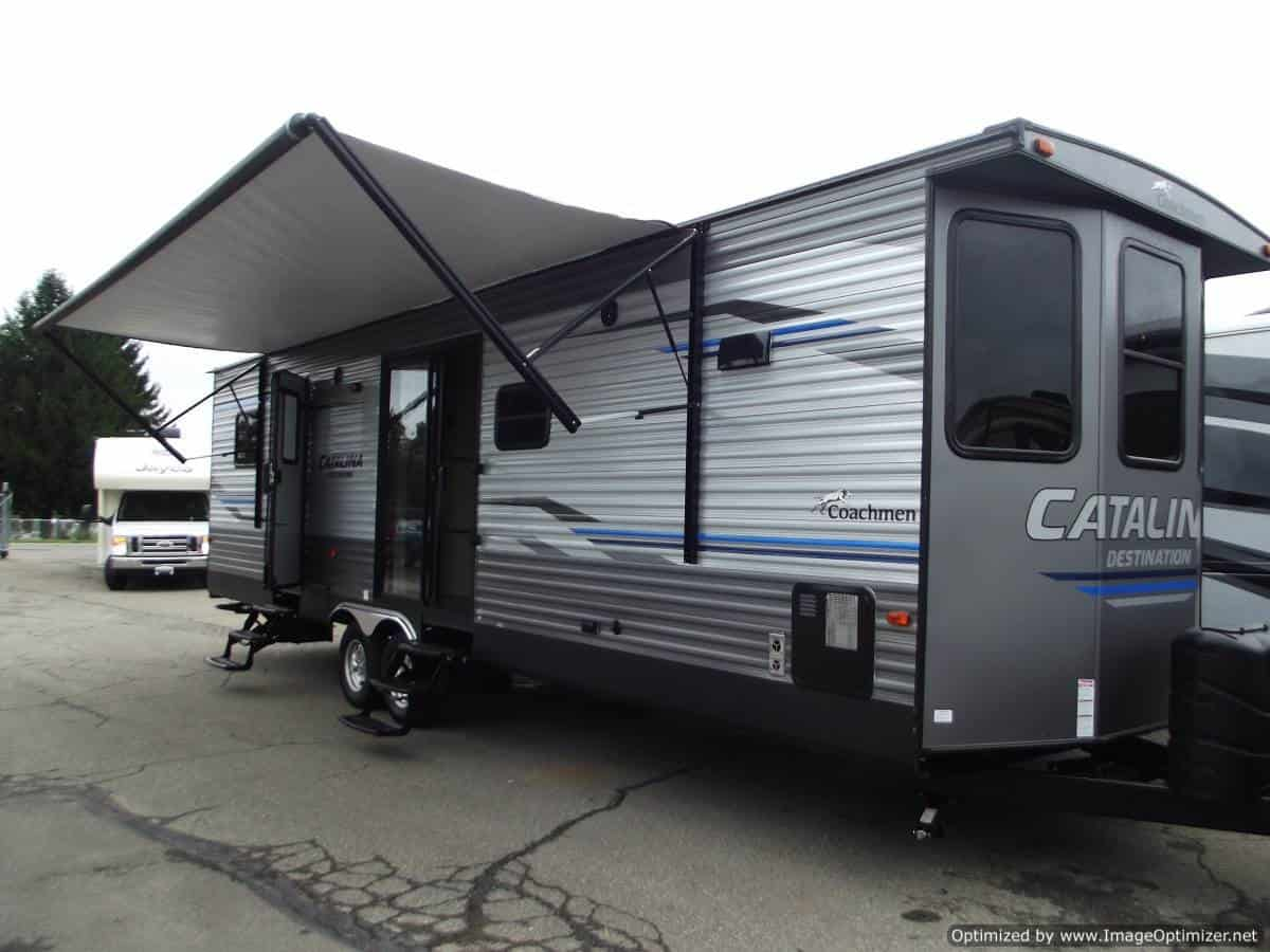 NEW 2019 FOREST RIVER COACHMEN CATALINA 33FKDS