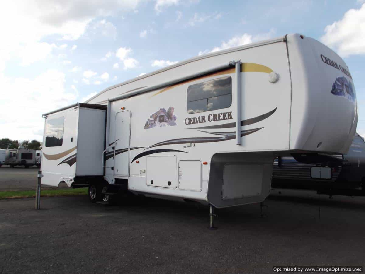 USED 2011 Forest River Cedar Creek 30RL