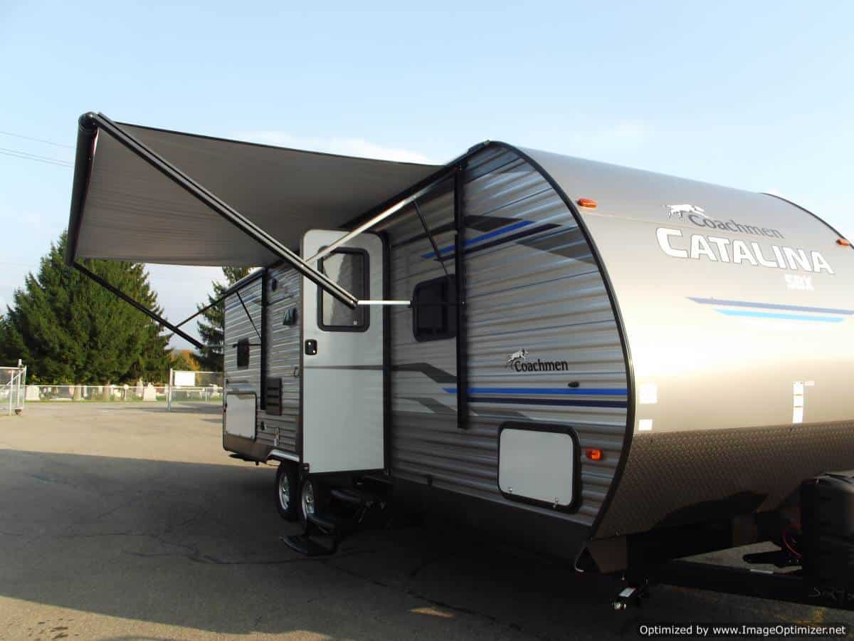 NEW 2019 Forest River Catalina 261BHS