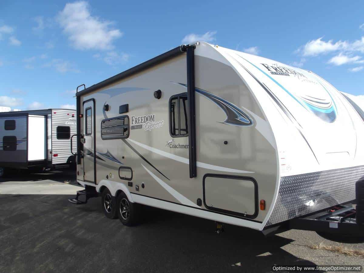 NEW 2019 FOREST RIVER COACHMEN FREEDOM EXPRESS 192RBS