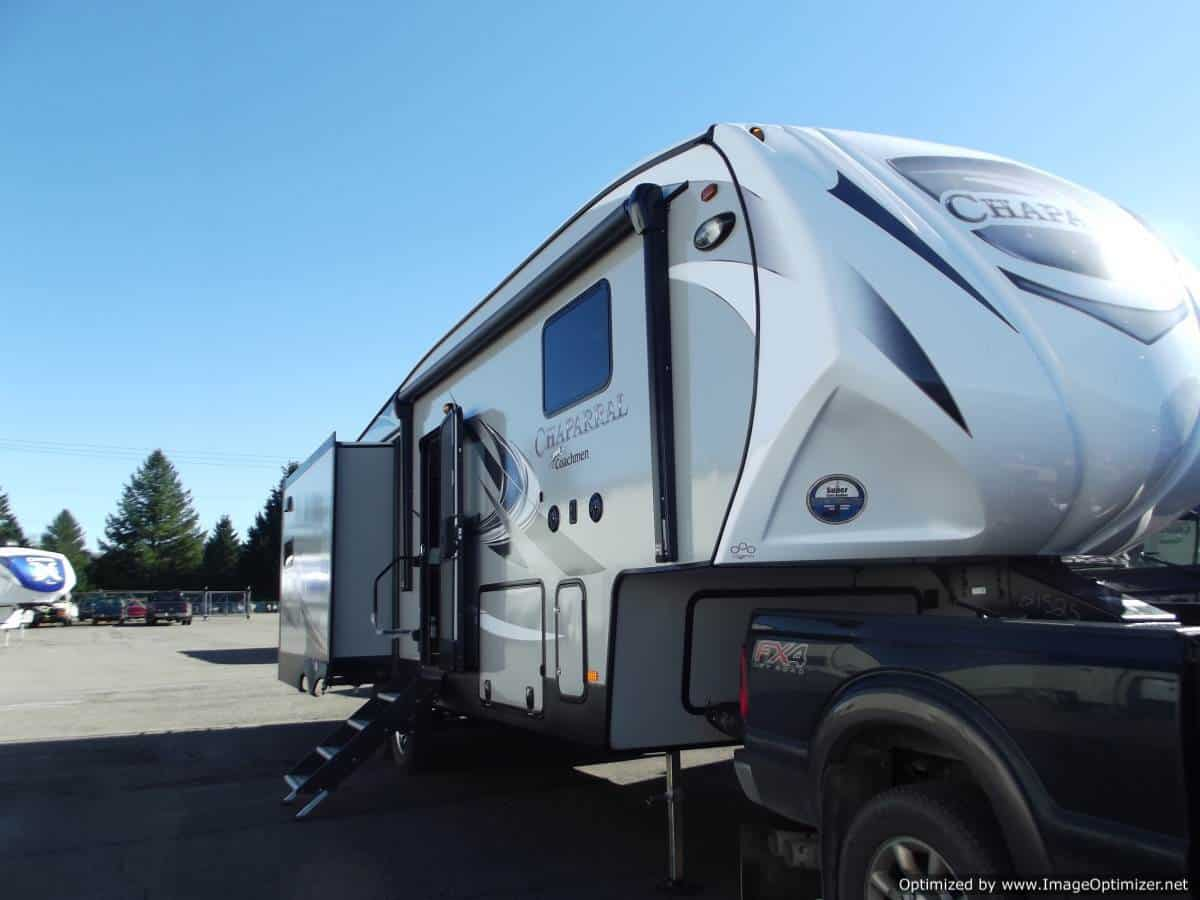 NEW 2019 Forest River Coachmen Chaparral 27RKS