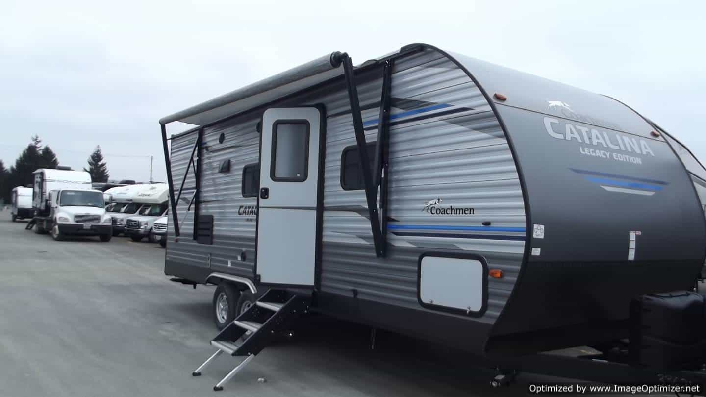 NEW 2019 Forest River Catalina 243RBS