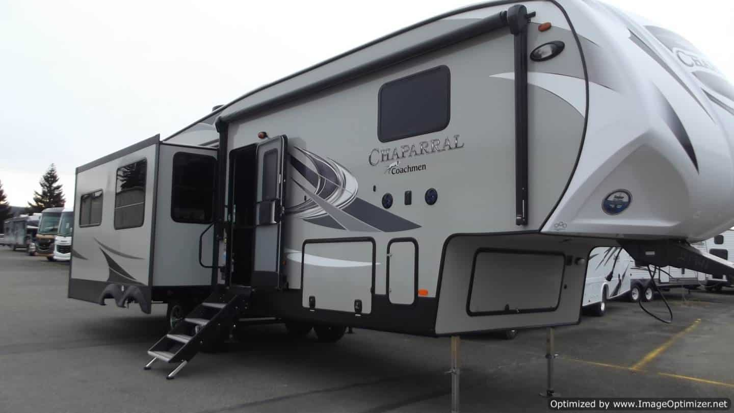 NEW 2019 FOREST RIVER COACHMEN CHAPARRAL 336TSIK