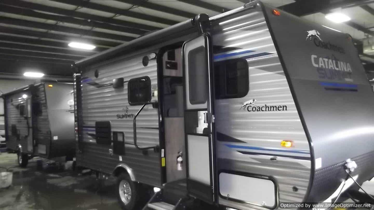 NEW 2019 FOREST RIVER COACHMEN CATALINA 172BH
