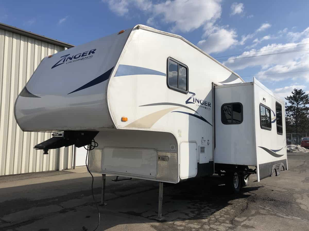 USED 2011 Crossroads Rv Zinger ZF-250-BH