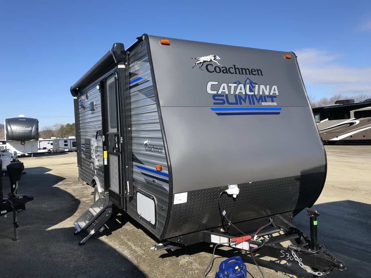 NEW 2019 FOREST RIVER COACHMEN CATALINA 172FSS
