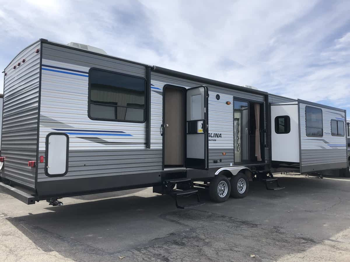 NEW 2020 FOREST RIVER COACHMEN CATALINA 39MKTS