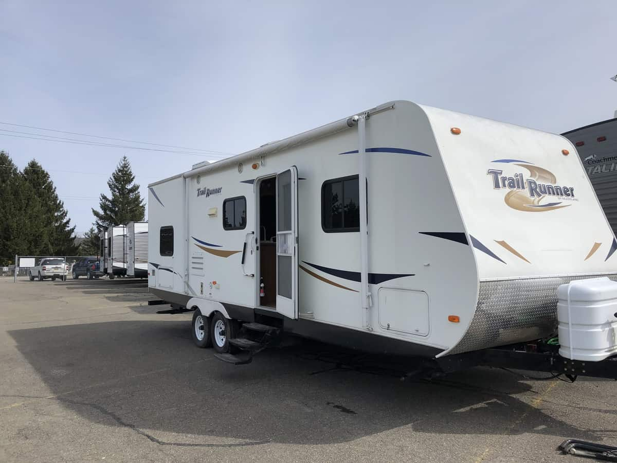 USED 2011 Heartland Trail Runner 27FQBS