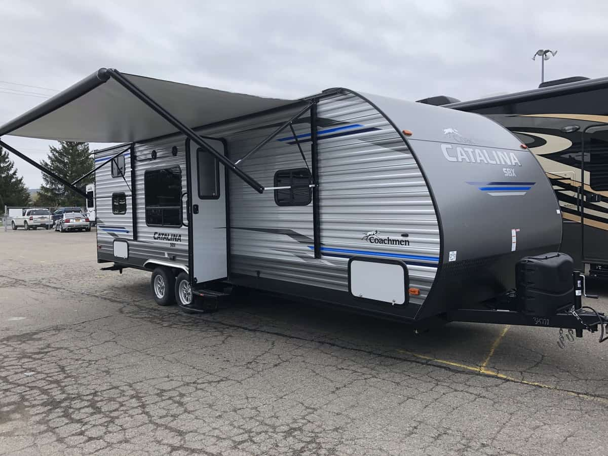 NEW 2020 FOREST RIVER COACHMEN CATALINA 261BH