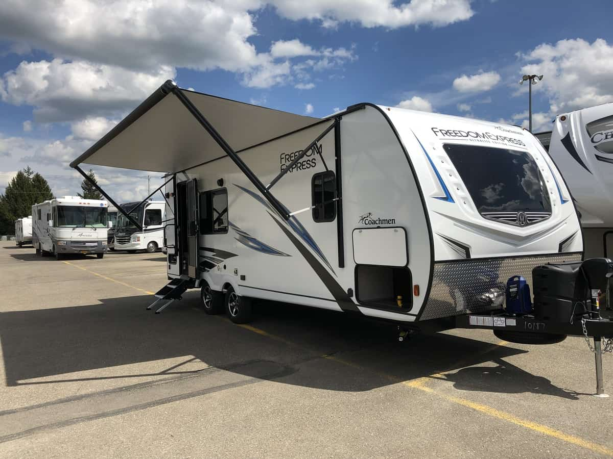 NEW 2020 FOREST RIVER COACHMEN FREEDOM EXPRESS 246RKS