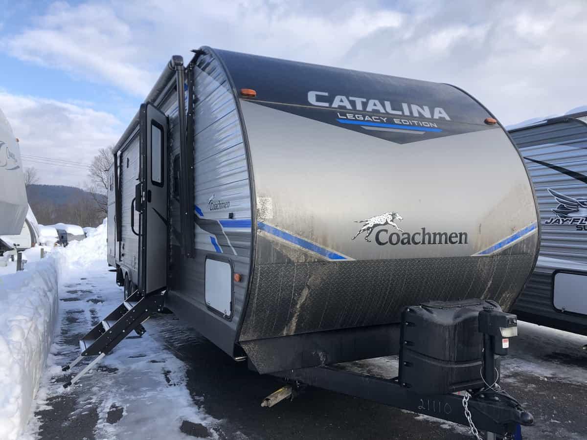 NEW 2021 Coachmen Catalina 323BHDSCKLE