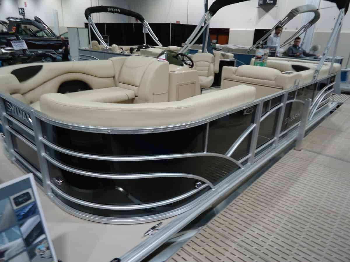 NEW 2018 Sylvan 8520 Party Fish - Lighthouse Marine