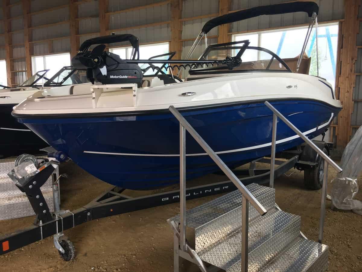 NEW 2018 Bayliner VR5 Fish and Ski - Lighthouse Marine