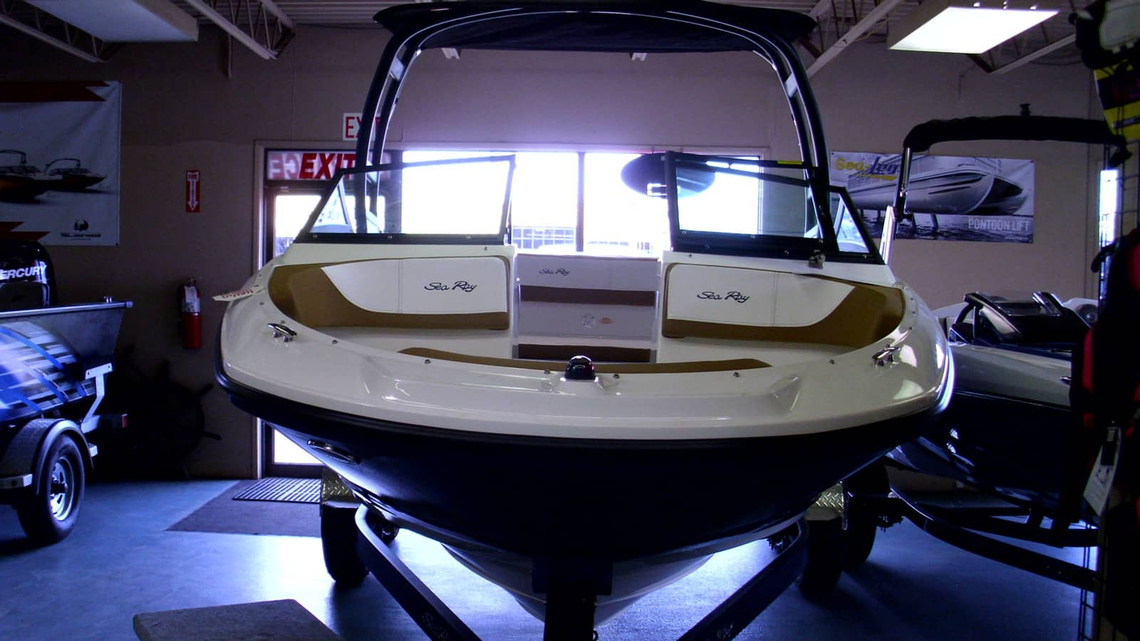 NEW 2019 Sea Ray SPX 190 Elevation Edition - Lighthouse Marine