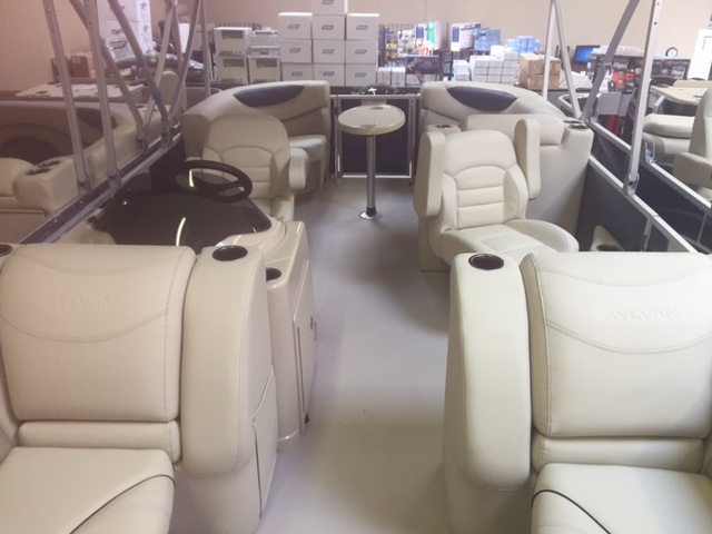 NEW 2018 Sylvan 822 LZ - Lighthouse Marine