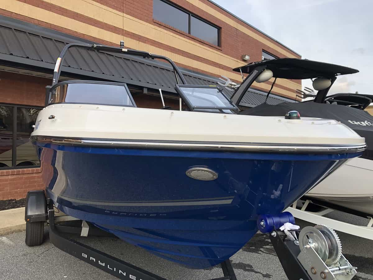 USED 2018 Bayliner Bowrider VR5 - PULL Watersports