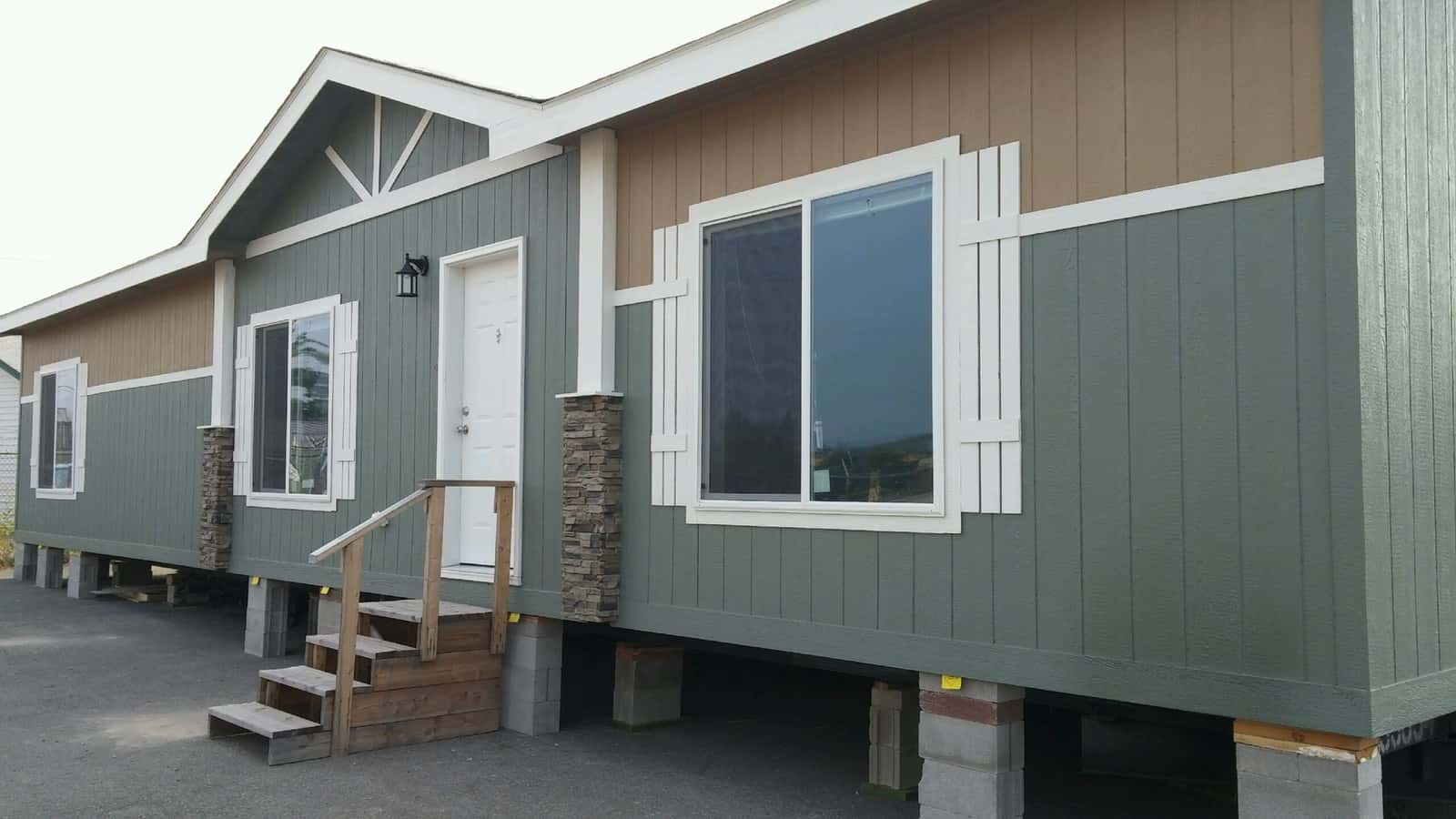 NEW 2918 Fleetwood Homes Idaho W.C. 28563G Up Graded Exterior - Rangitsch Manufactured Home Center