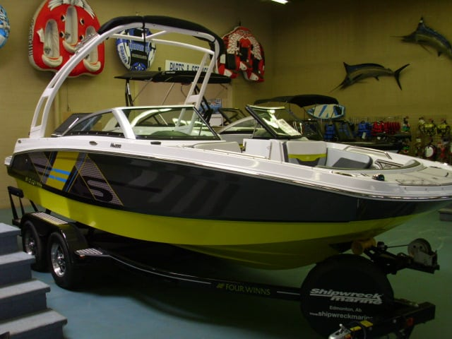 NEW 2018 Four Winns HD 200 RS Surf Edition - Renfrew Marine