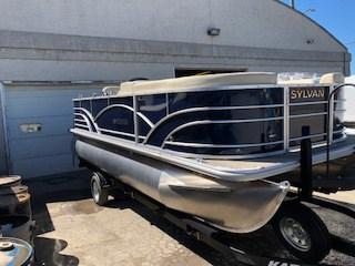 NEW 2019 Sylvan 8520 Mirage Cruise - Renfrew Marine