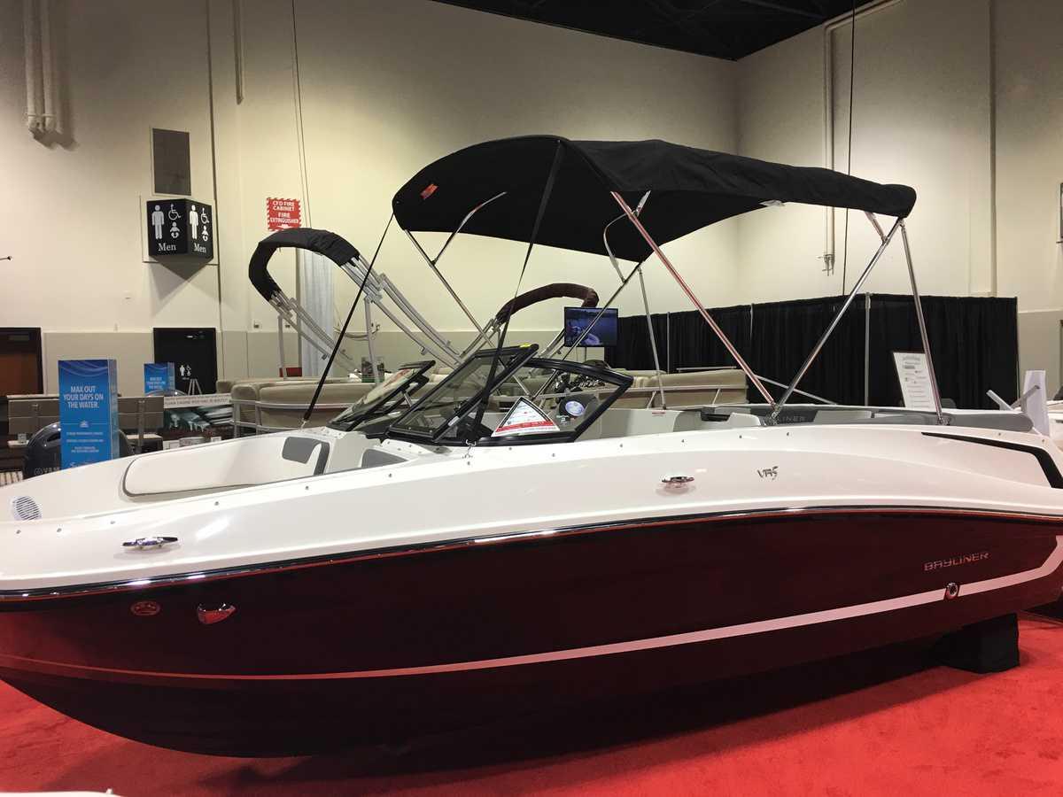 NEW 2018 Bayliner VR5 Demo - Renfrew Marine