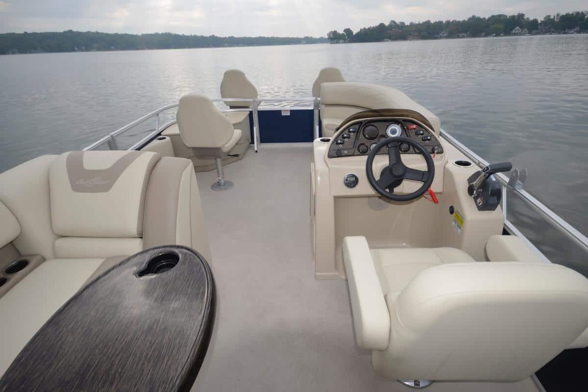 Pontoon Boats | Calgary Boat Sales | Renfrew Marine
