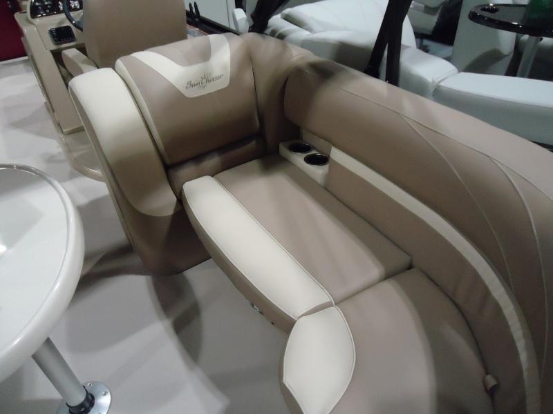 NEW 2018 Sunchaser Geneva 22 LR DH Sport 150HP - Renfrew Marine