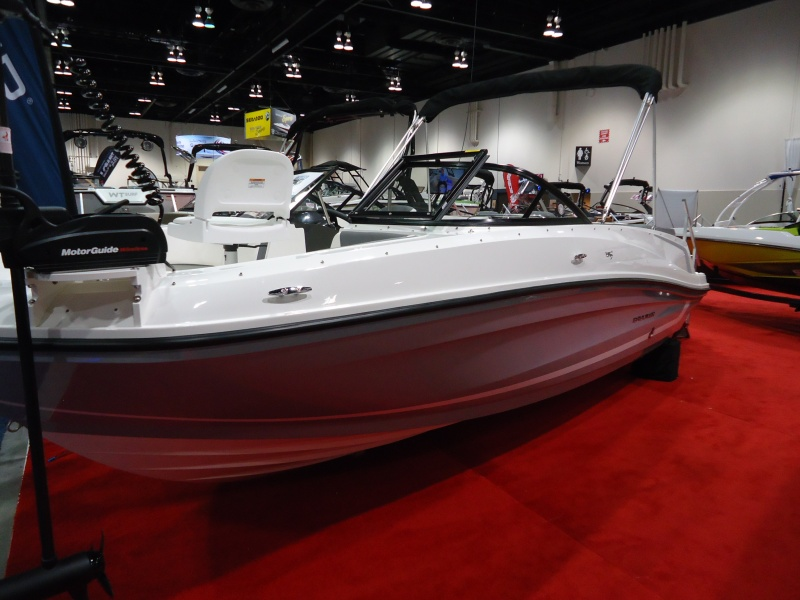 NEW 2018 Bayliner VR5 Fish And Ski - Renfrew Marine