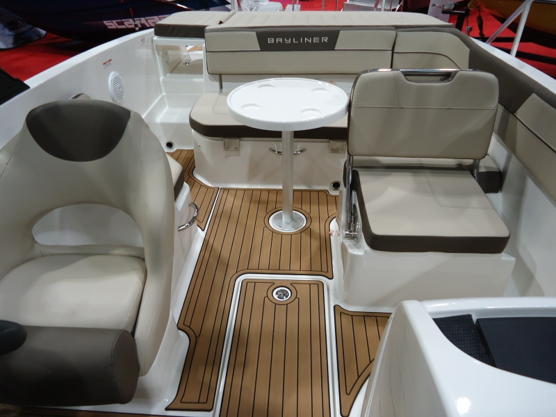NEW 2018 Bayliner VR6 Xtreme Tower - Renfrew Marine