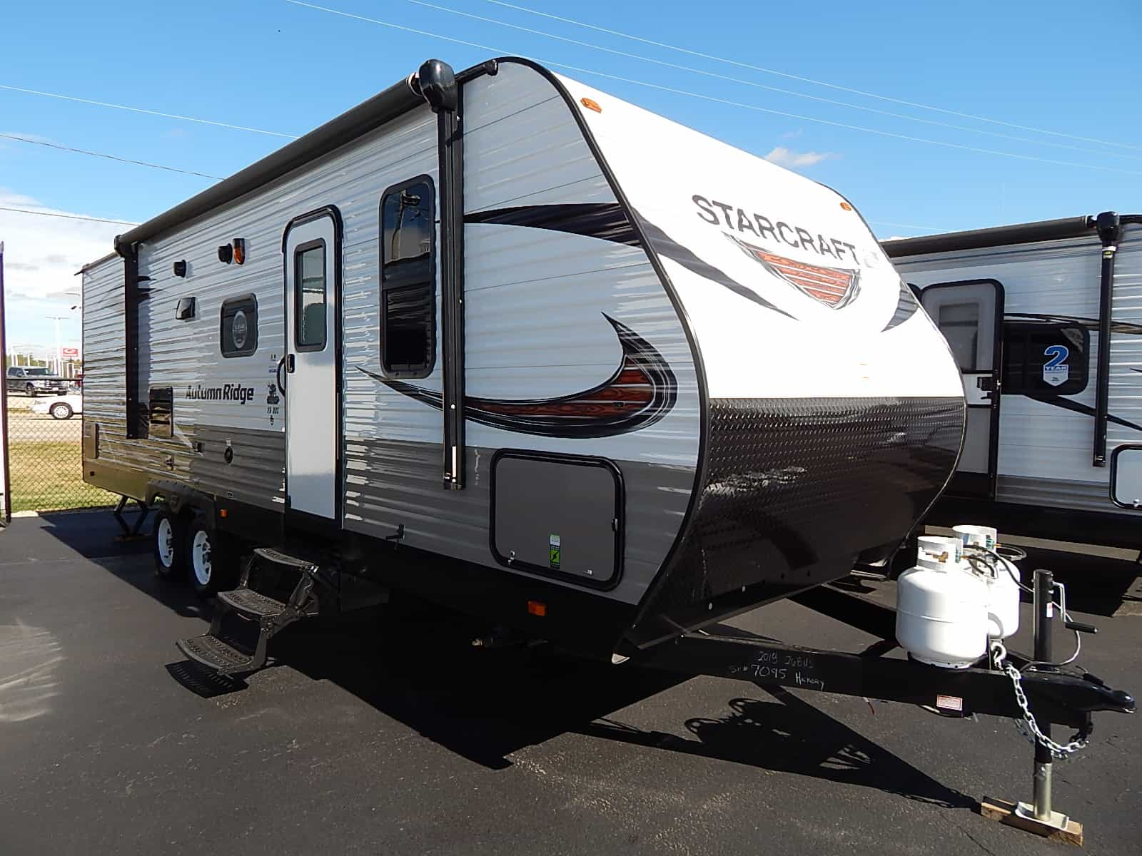 NEW 2018 STARCRAFT AUTUMN RIDGE OUTFITTR 26BHS - Rick's RV Center