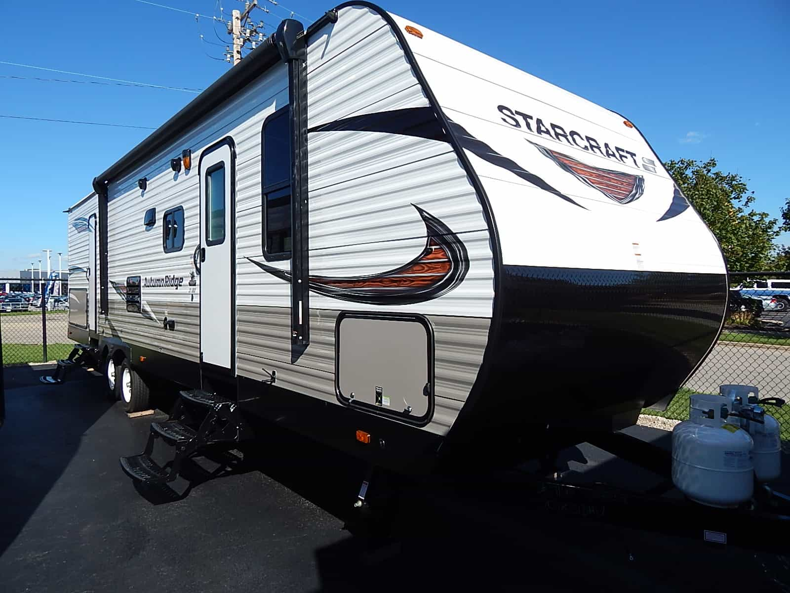 NEW 2018 Starcraft AUTUMN RIDGE OUTFITTR 31BHU - Rick's RV Center