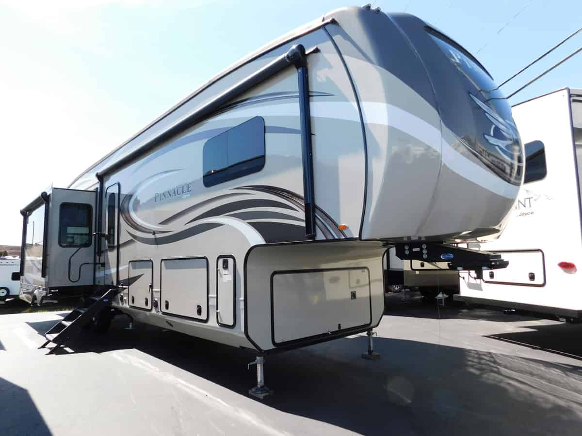 NEW 2018 Jayco PINNACLE 37RSTS - Rick's RV Center
