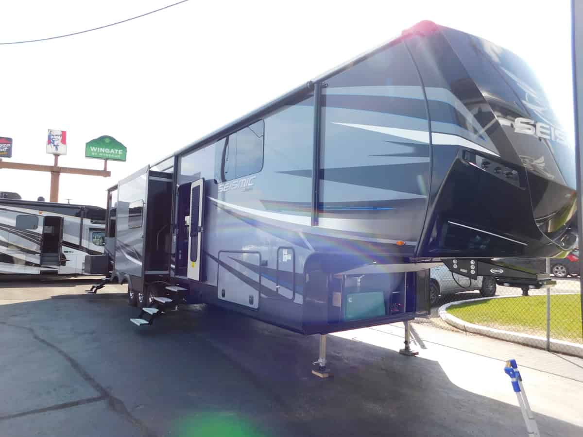NEW 2018 Jayco SEISMIC 4250 - Rick's RV Center