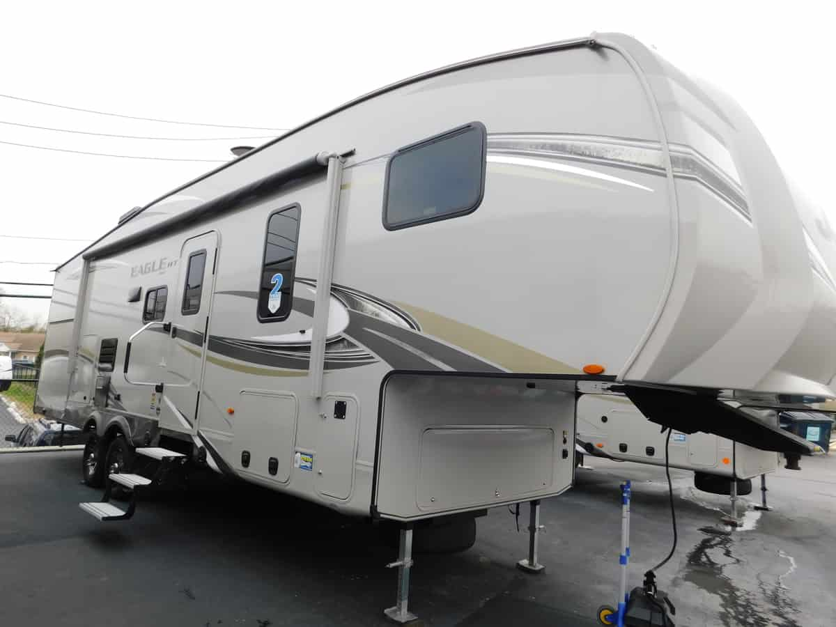 NEW 2018 Jayco Eagle 29.5BHDS - Rick's RV Center